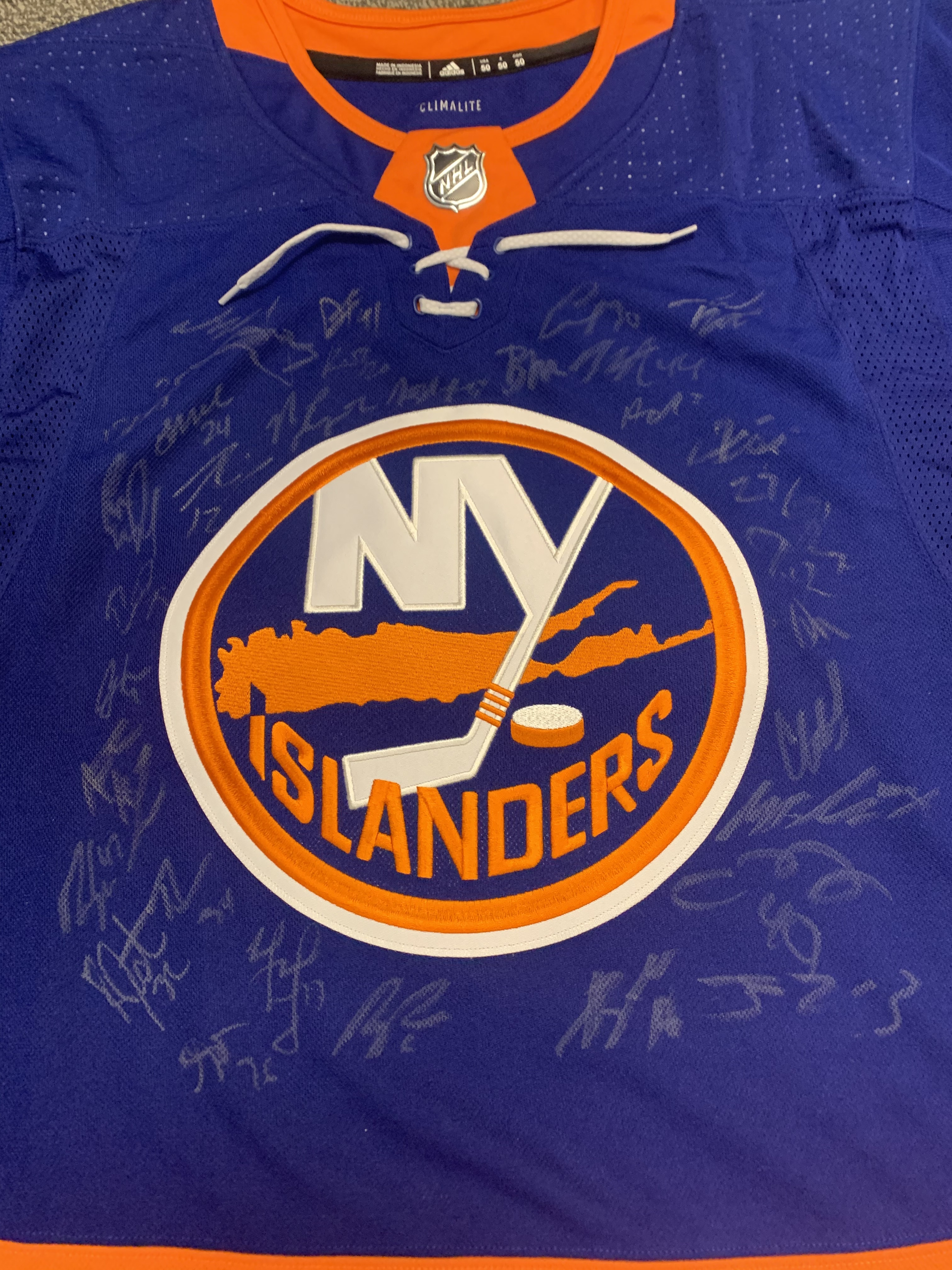 Islanders autographs
