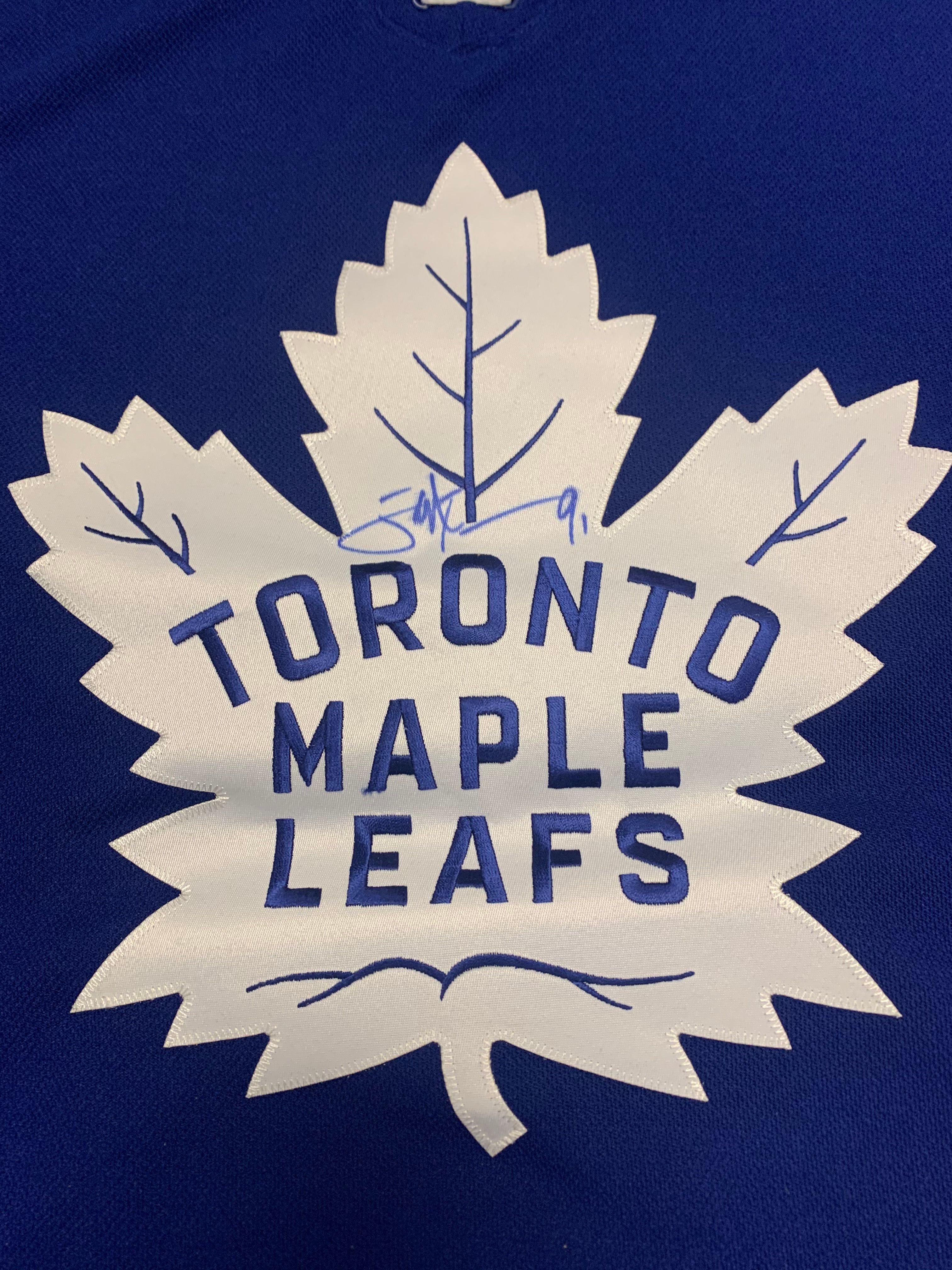 Maple leaf autograph